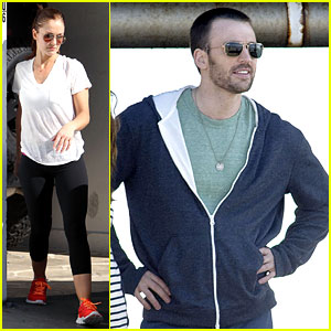 Chris Evans Films 'Splintered Thing', Minka Kelly Works Out
