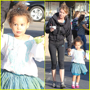 Ellen Pompeo & Stella: Ice Cream Duo!