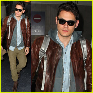 John Mayer Lands in Los Angeles
