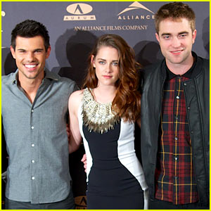Kristen Stewart & Robert Pattinson: 'Twilight Breaking