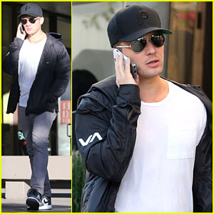 Ryan Phillippe: Kitson for Kids Shopper!