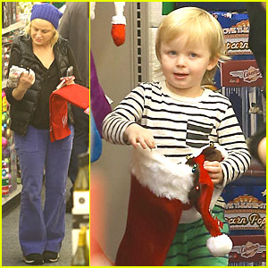 Amy Poehler: Holiday Shopping with Archie!