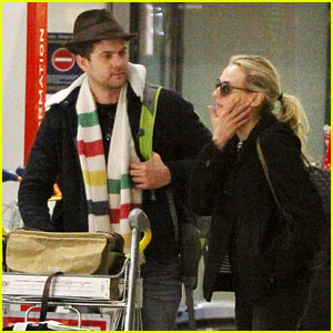 Joshua Jackson & Diane Kruger: Christmas Eve in Paris!