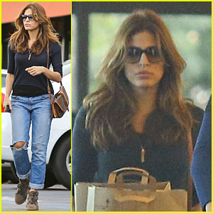 Eva Mendes: Grocery Shopping with a Gal Pal!