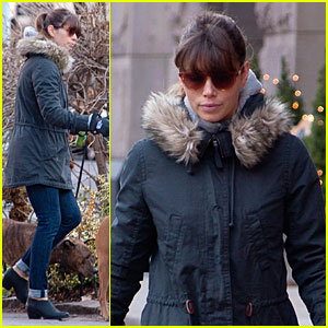 Jessica Biel Stashes Snacks at Broadway Plays!