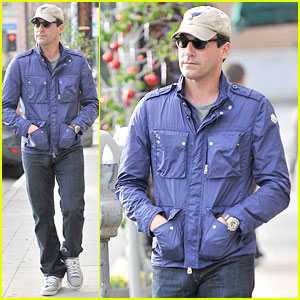 Jon Hamm Lunches with Elisabeth Moss After Work!