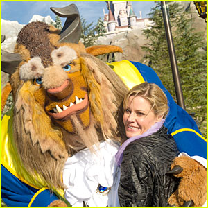 Julie Bowen: Walt Disney World with the Beast!