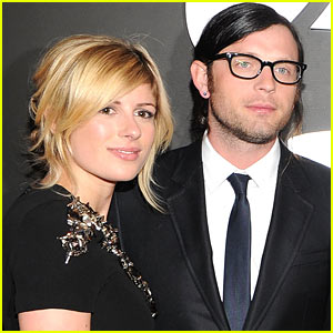 Nathan Followill & Wife Welcome Baby Girl Violet Marlowe!