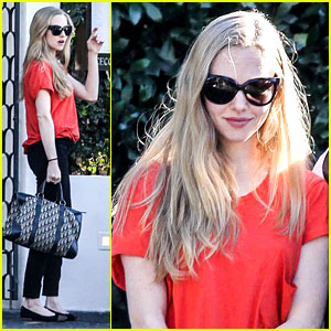 Amanda Seyfried: 'Les Mis' Cast Performing at the Oscars?