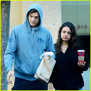 Ashton Kutcher & Mila Kunis: Manhattan Bagel Breakfast