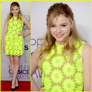 Chloe Moretz - People's Choice Awards 2013 Red Carpet