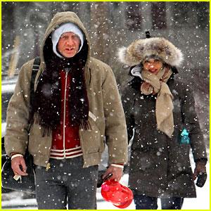 Daniel Craig & Rachel Weisz: Snowy Stroll in NYC!