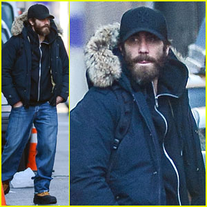 Jake Gyllenhaal is Not Dating Katie Holmes!