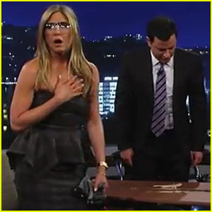 Jennifer Aniston Destroys Jimmy Kimmel's Desk on 'Jimmy Kimmel Live!'