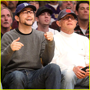 Joseph Gordon-Levitt: Lakers Game with Dad Dennis!