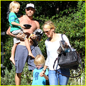 Naomi Watts & Liev Schreiber: Sunday with the Kids!