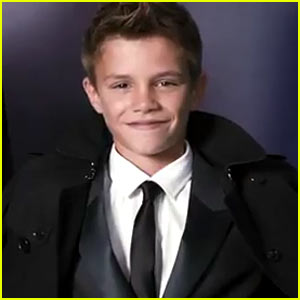 Romeo Beckham: Burberry Campaign Video!