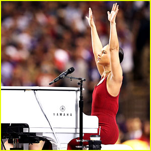 Alicia Keys: Super Bowl 2013 National Anthem - Watch Now!