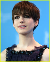Anne Hathaway: Another Wardrobe Malfunction!