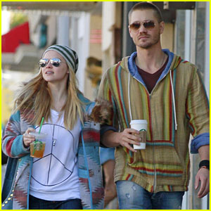 Chad Michael Murray & Kenzie Dalton: Matching Hippie Duo!