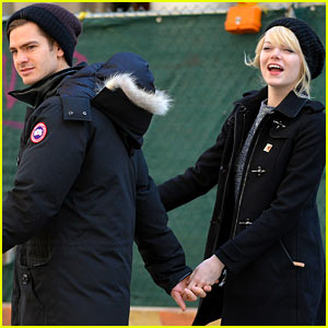 Emma Stone & Andrew Garfield Hold Hands After Breakfast!