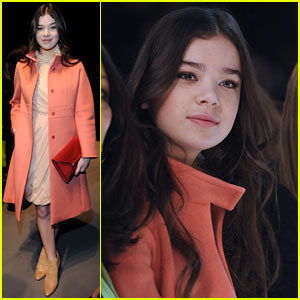 Hailee Steinfeld: Max Mara Fashion Show!