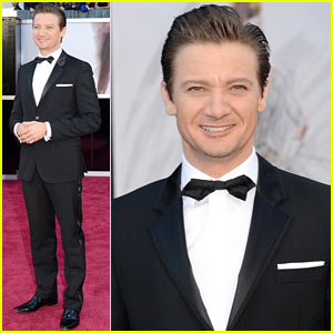 Jeremy Renner - Oscars 2013 Red Carpet