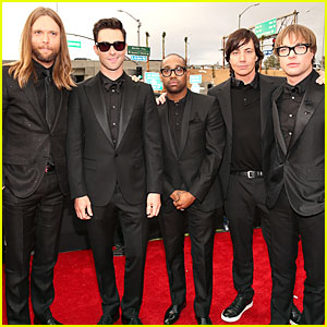 Maroon 5 - Grammys 2013 Red Carpet