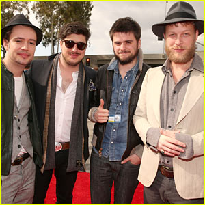 Mumford & Sons - Grammys 2013 Red Carpet