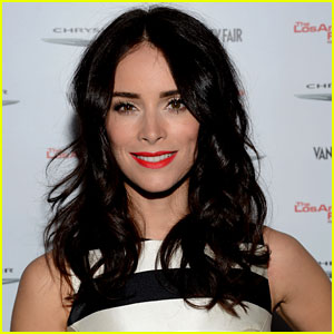 Abigail Spencer Lands Lead in 'Beautiful Now'