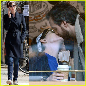 Anne Hathaway & Adam Shulman: Brooklyn Kissing Couple!