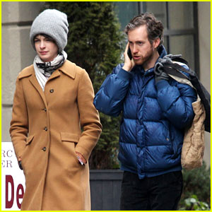 Anne Hathaway: Monday Morning Stroll with Adam Shulman!