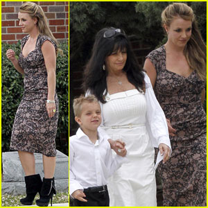 Britney Spears: Easter Church Service with the Family!