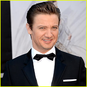 Jeremy Renner Welcomes Baby Daughter?