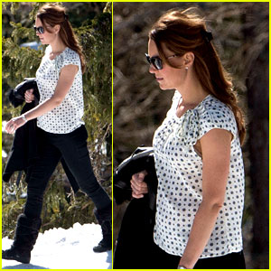 Kate Middleton: Pregnant Baby Bump in the Swiss Alps!