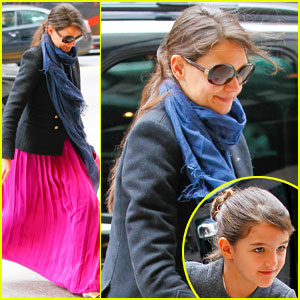 Katie Holmes Easter Pa...