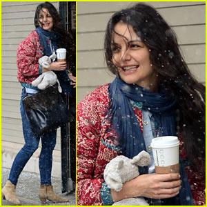 Katie Holmes: Snowy Suri Drop-Off!