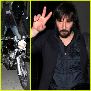 Keanu Reeves Wiki – Net Worth, Wife, Girlfriend, House, Married.