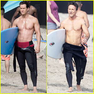 Mark-Paul Gosselaar & Breckin Meyer: Shirtless on 'Franklin & Bash' Set!