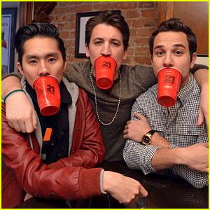 Miles Teller & Skylar Astin - JustJared.com Exclusive Interview!