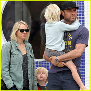 Naomi Watts & Liev Schreiber: Saturday Family Errands!