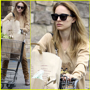 Natalie Portman: Sunday Grocery Shopping!