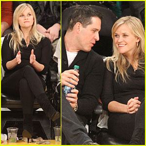 Reese Witherspoon & Jim Toth: Lakers Game Date Night!
