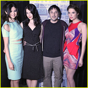 Selena Gomez & Ashley Benson: 'Spring Breakers' Photo Op at SXSW!