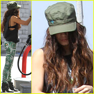 Vanessa Hudgens: Low Profile Gas Station Stop!