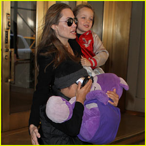 Angelina Jolie: Big Apple Outing with Knox & Pax!