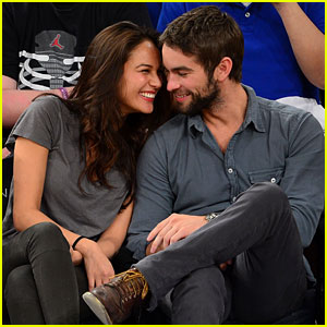 Chace Crawford: Knicks Game with Rachelle Gou