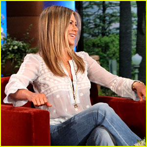 Jennifer Aniston Talks 'Friends' Reunion Rumors on 'Ellen'!
