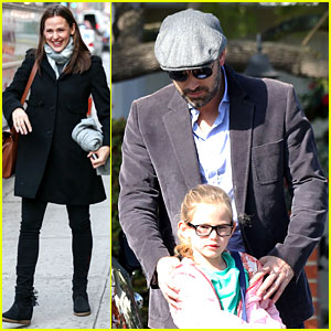 Jennifer Garner Visits New York, Ben Affleck's on Daddy Duty!