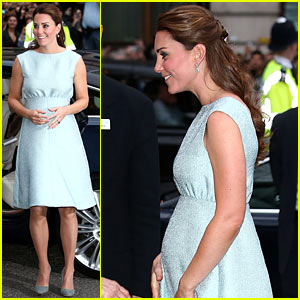 Kate Middleton: Baby Bump at the Art Room Reception!